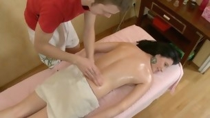Sexy Oriental delights dude with orall-service in advance of humping
