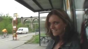 Sexy pretty amateur darling sucks off massive lengthy shlong